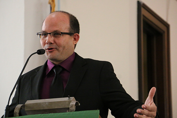 Rev. Javier Diaz Preaches